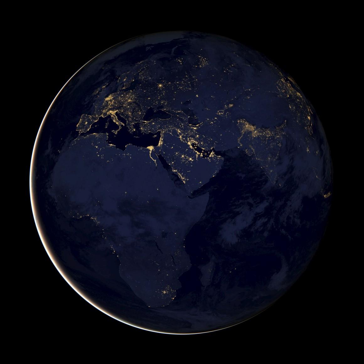 A Terra à noite, um conjunto de imagens tiradas por um satélite dos Estados Unidos