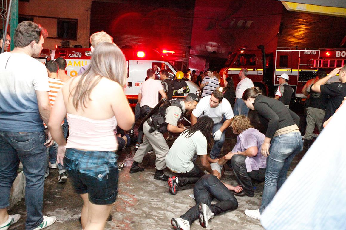 Apoio às vítimas começou no local