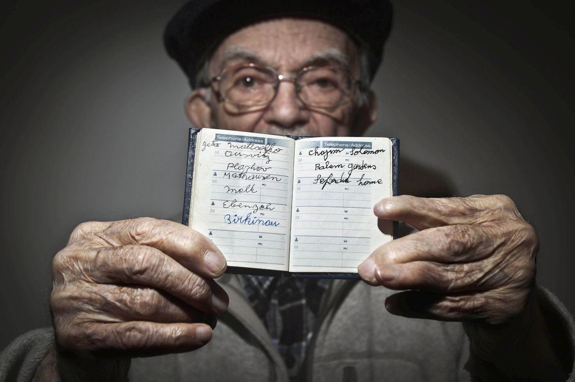 Para os sobreviventes as memórias de Auschwitz não se apagam - Público.pt